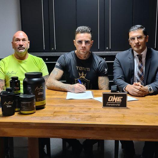 Nieuw contract Holzken bij One Championship