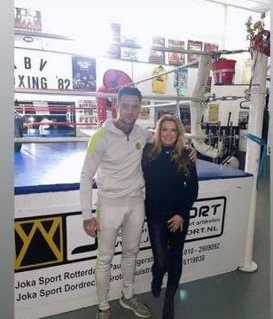 Nieky Holzken op bezoek bij Rotterdamse Boxing'82